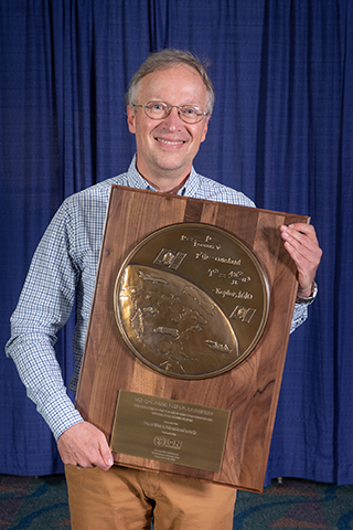 Dr. Oliver Montenbruck Receives Prestigious Johannes Kepler Award from ION