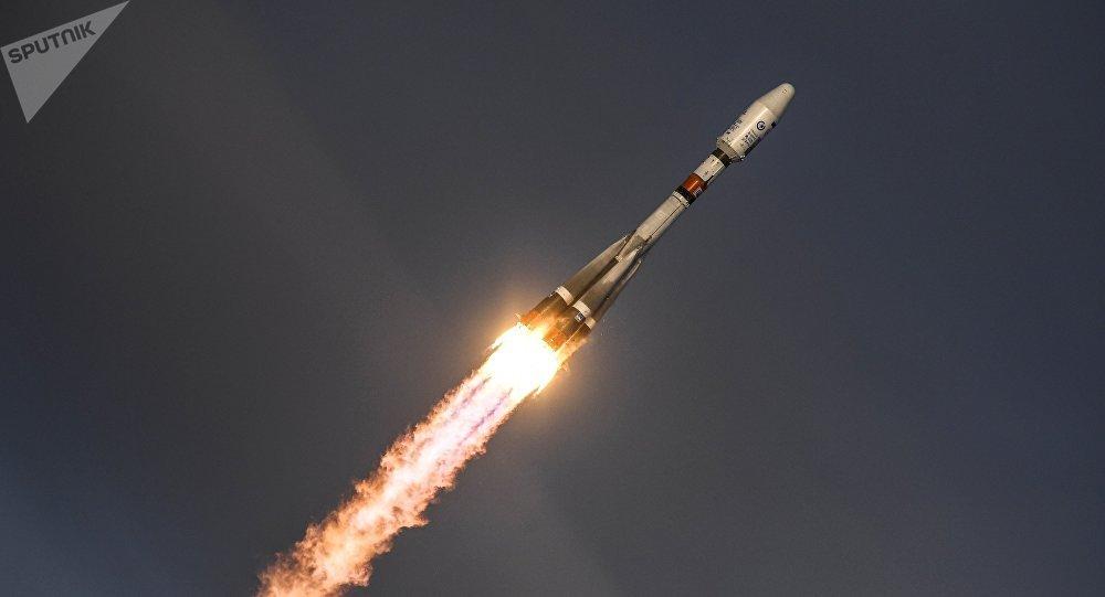 Sputnik Photo of New GLONASS Carrier Rocket for Satellite