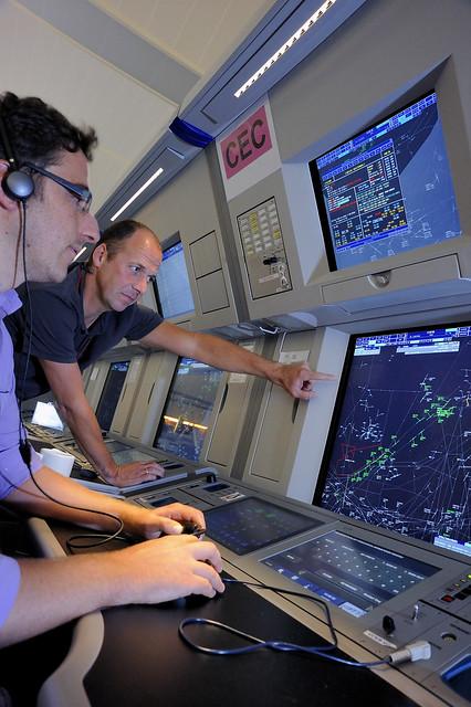 EUROCONTROL. Salle de controle aérien de Maastricht